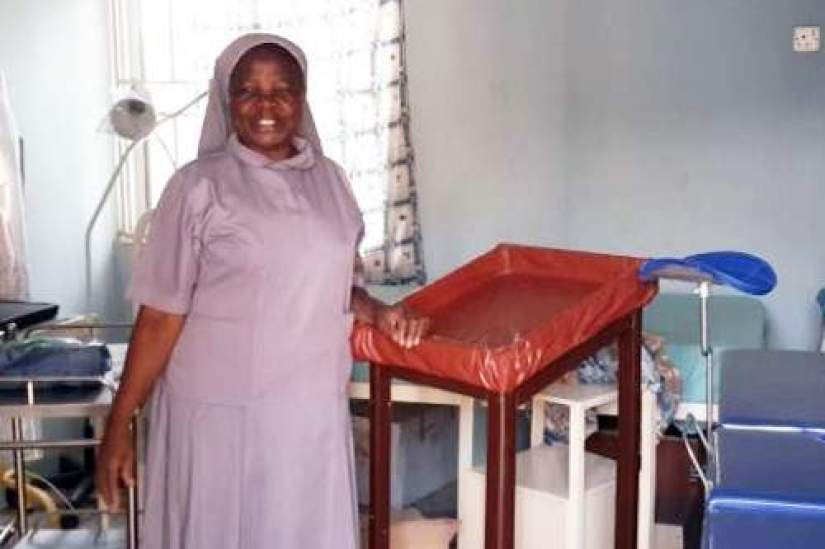 Sr. Eunice, one of the beneficiaries of the Conrad N. Hilton Foundation SLDI Alumnae Signature Grant, secured the grant to purchase a Cervical Screening machine.