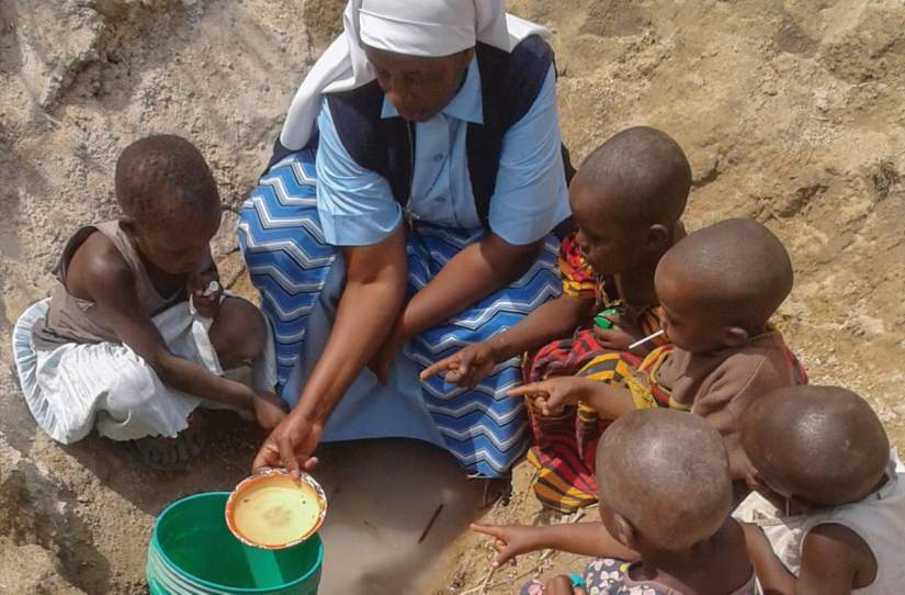 SLDI alumna Sr. Benedicta Anslem, ESM educates young children in Tanzania about the importance of clean water and how to collect it. Read more...