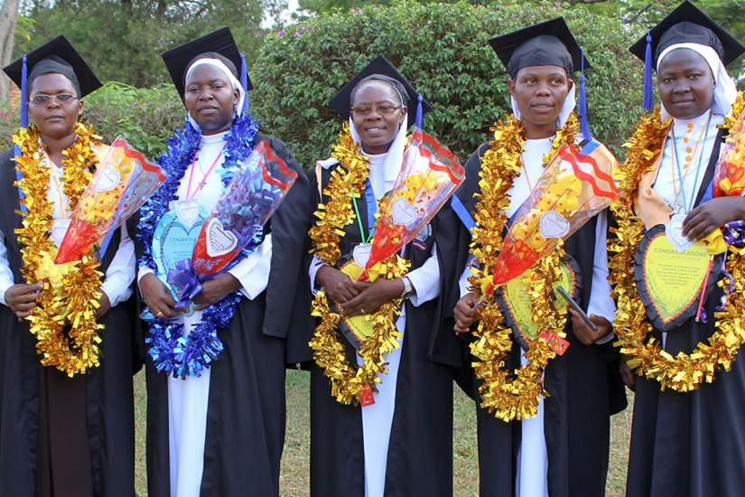 HESA graduates of the University of Kisubi, Uganda (Oct., 2018).