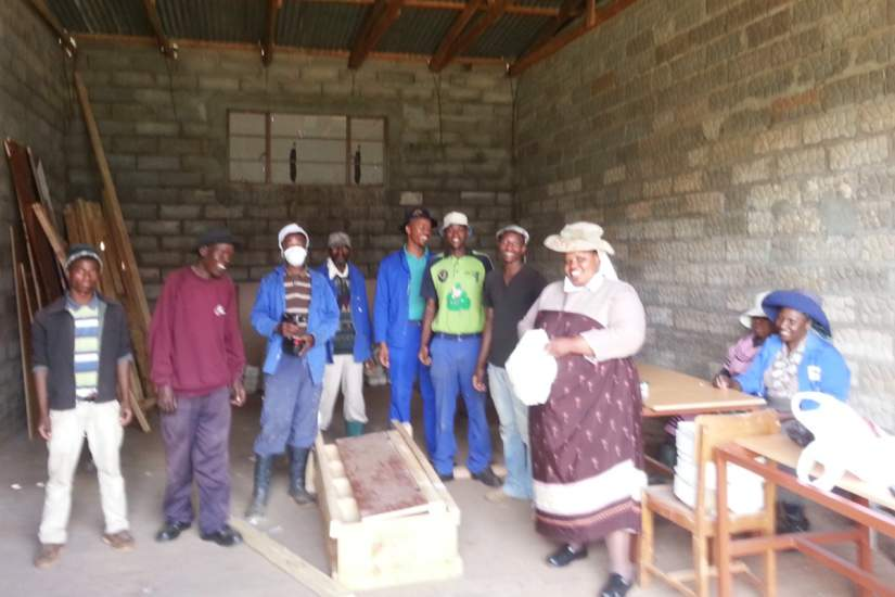 Elizabeth Bruyere Old Age Home works hand-in-hand with volunteers coming from local areas and across the border. This group helped Sr. Theresia to build a house that uses zero-energy free of charge.