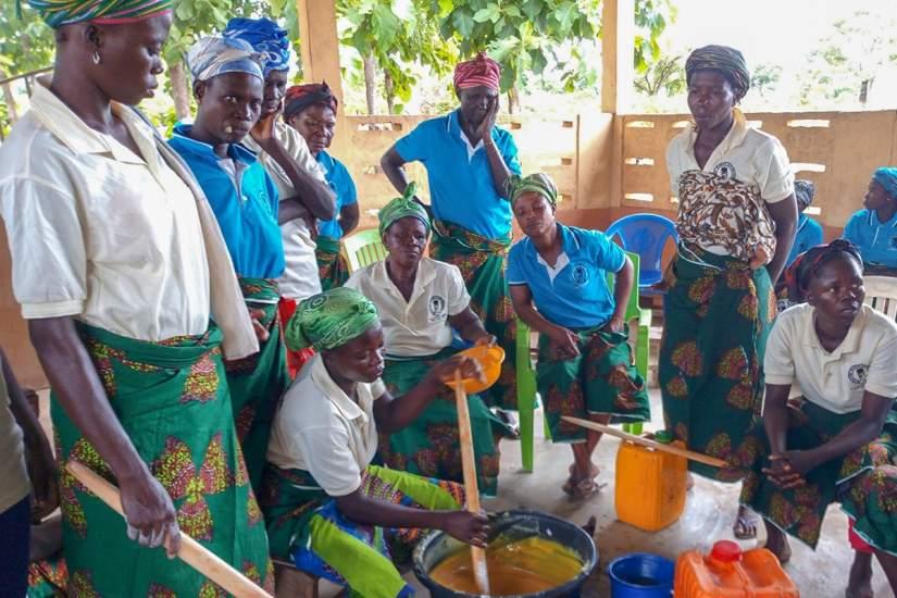 Women in the Ordorme Rural Women's Empowerment group making soap.