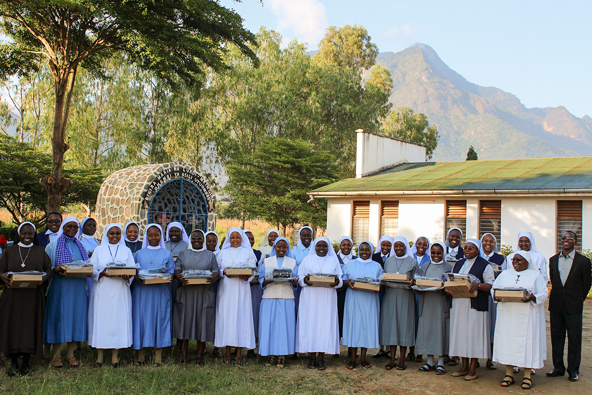 27 Tanzanian sisters in SLDI Administration Track 1 received their laptops during the workshop that took place at Holistic Education Centre in Tanzania from 8th July to 5th August, 2017.